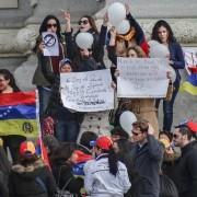 Venezolanos piden refugio en Peru